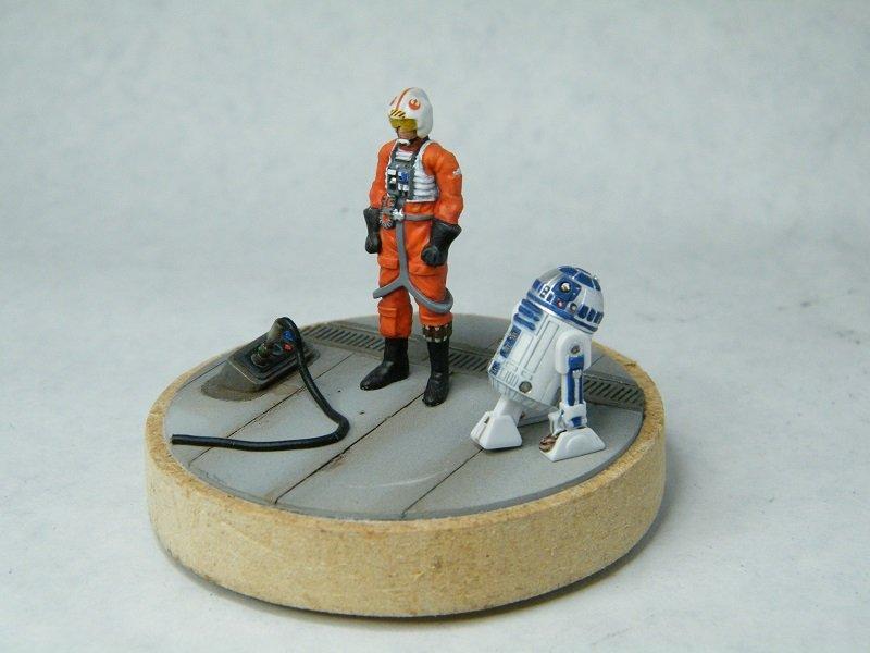 Diorama pilote & R2 800x600.JPG